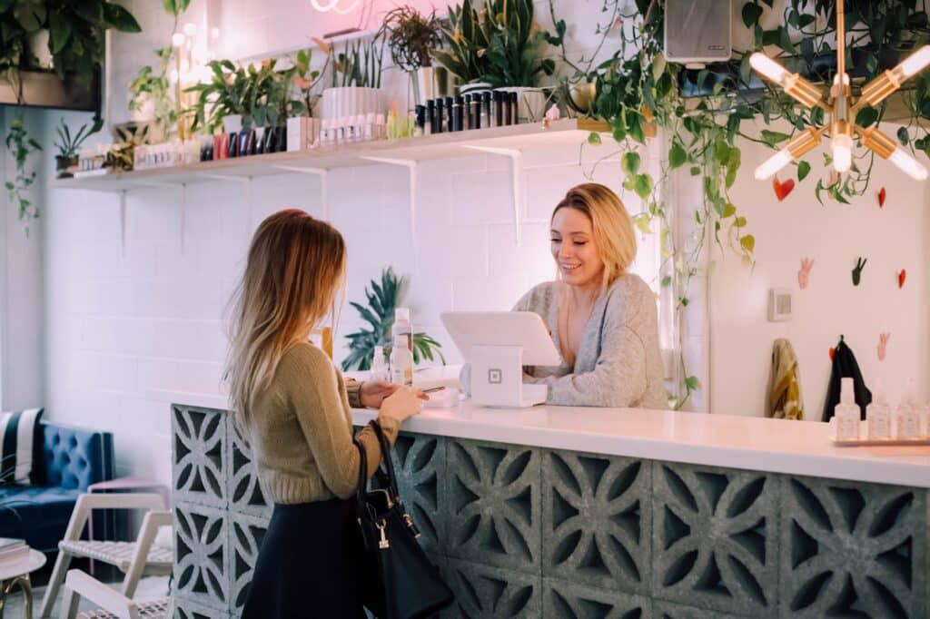 Analyse Guest & Strategy : les hébergements peuvent miser sur une clientèle davantage locale donc plus directe